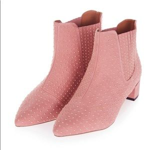 TOPSHOP Killer Studded Chelsea Boot in Pink